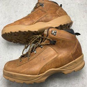 Vintage Nike ACG Hiking Boots size 12.5